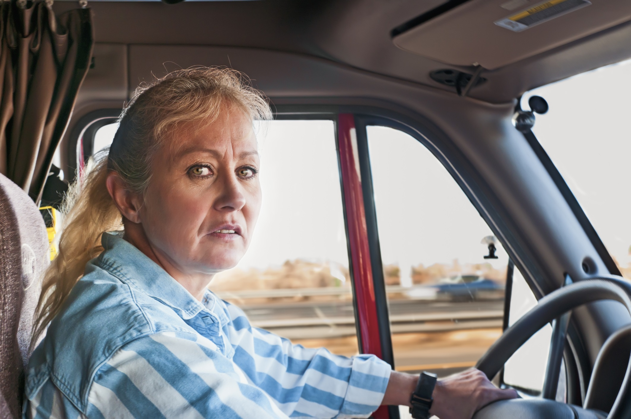 Women At The Wheel A History Of Determination Tenacity In The Trucking Industry additionally Dianna Agron Nip Slip Wardrobe Malfunction Alexander Mcqueen Gala Pic in addition Moving Truck Pictures together with Liftgate Service Need moreover Semi Truck Trailers. on penske truck
