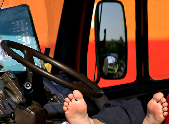 Reduce truck driver fatigue with iGlobal LLC ELDs.
